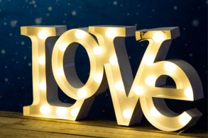LOVE LED-dekoration